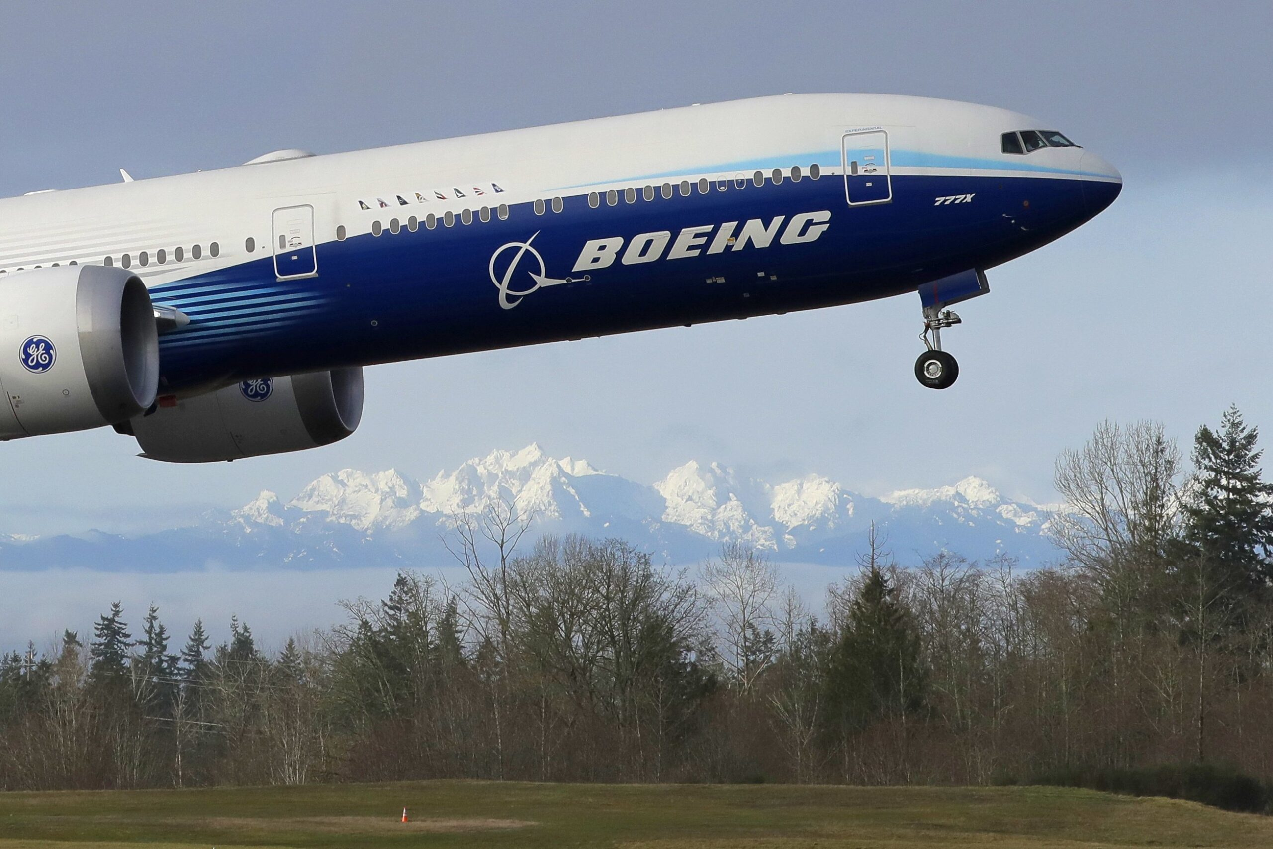 Deeper job cuts at Boeing as pandemic throttles air travel 2