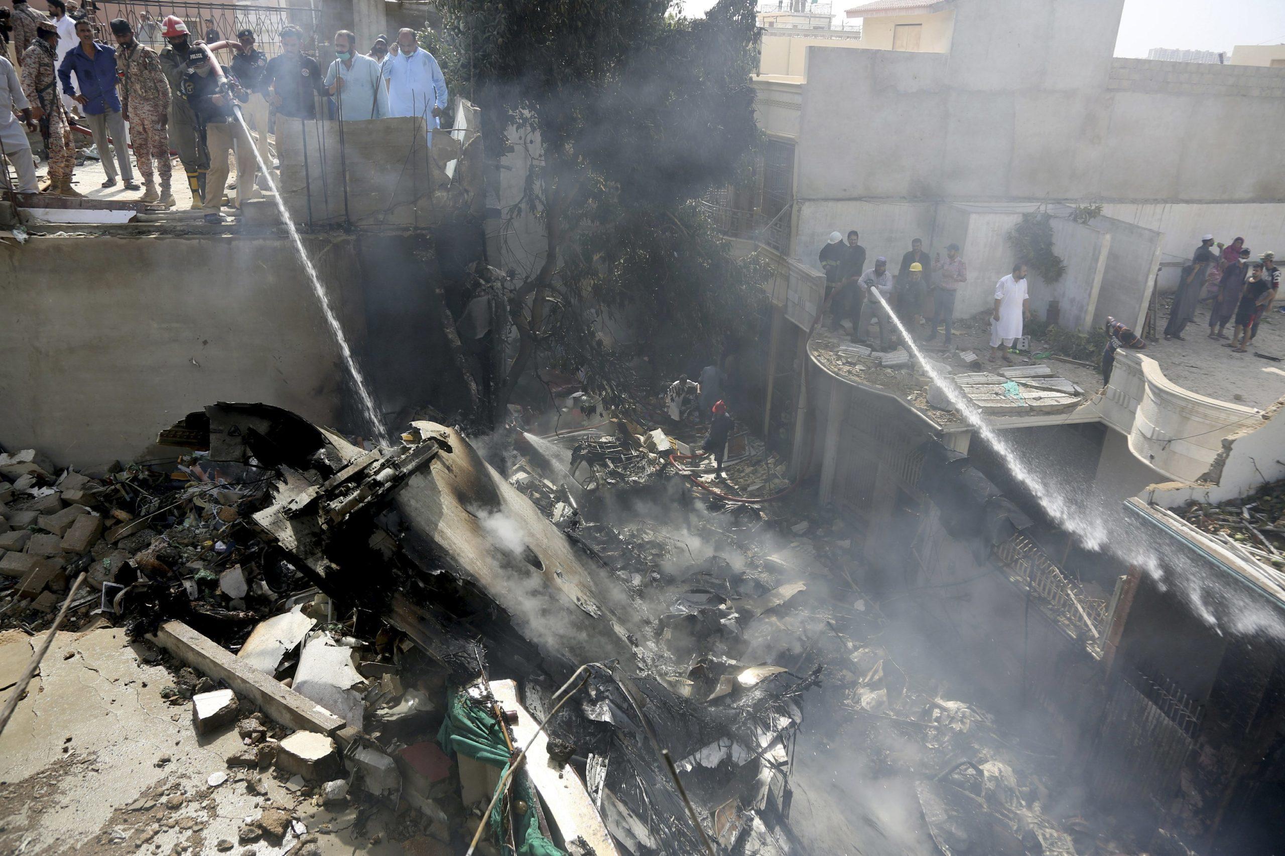 Pakistan jet with 98 aboard crashes near Karachi airport 2