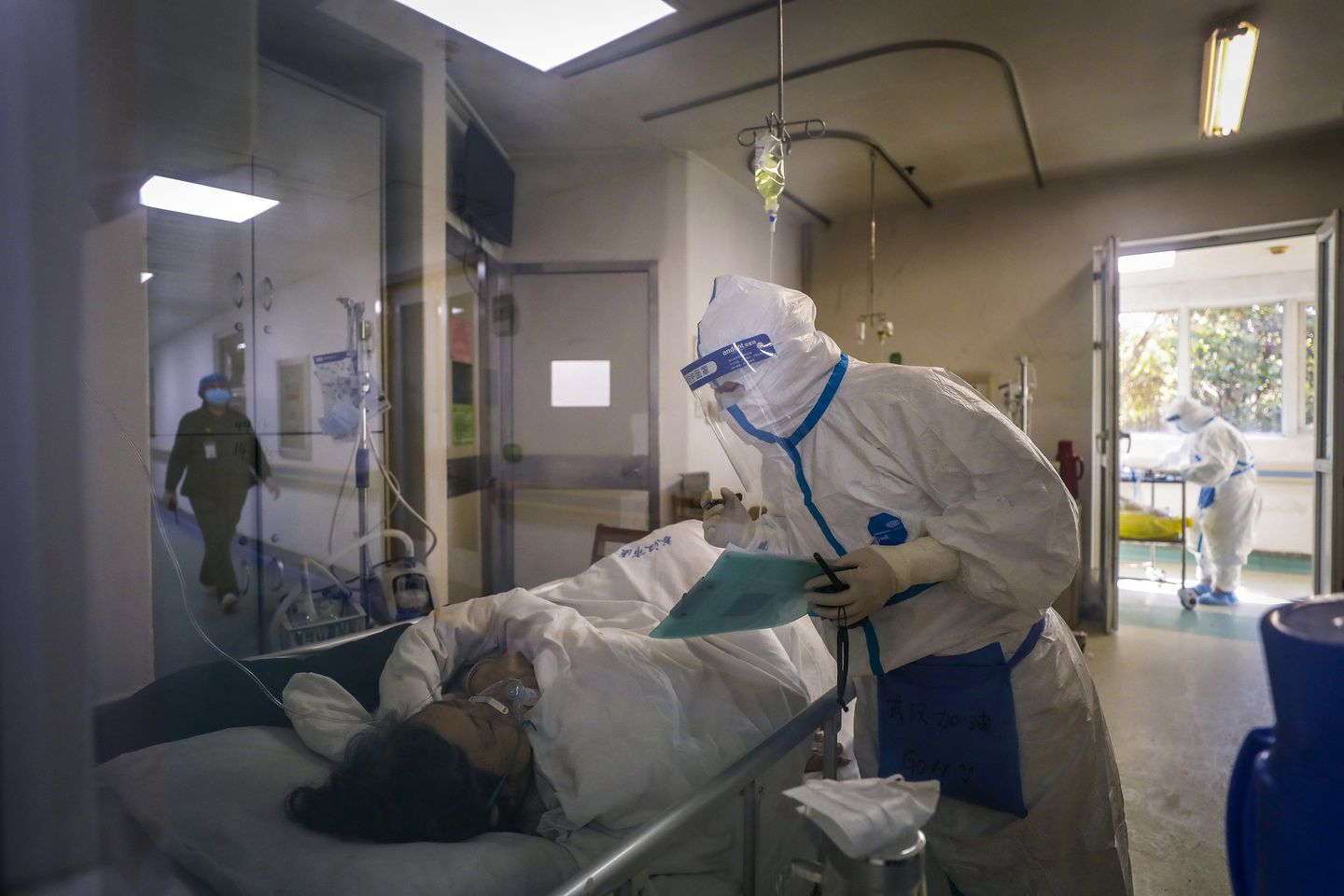Director of Wuhan Hospital Dies of Coronavirus as Infections Mount in China 1