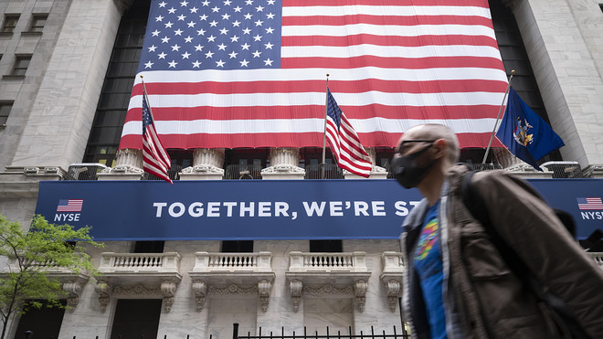 Dow up 200 points midday in bumpy trade, partially recovering Thursday's losses 3
