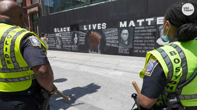 NYC starts painting Black Lives Matter mural in front of Trump Tower 1