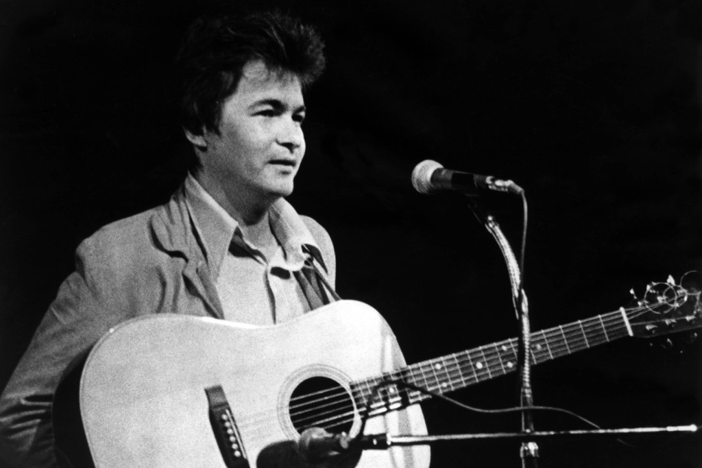 John Prine, One of America's Greatest Songwriters, Dead at 73 2